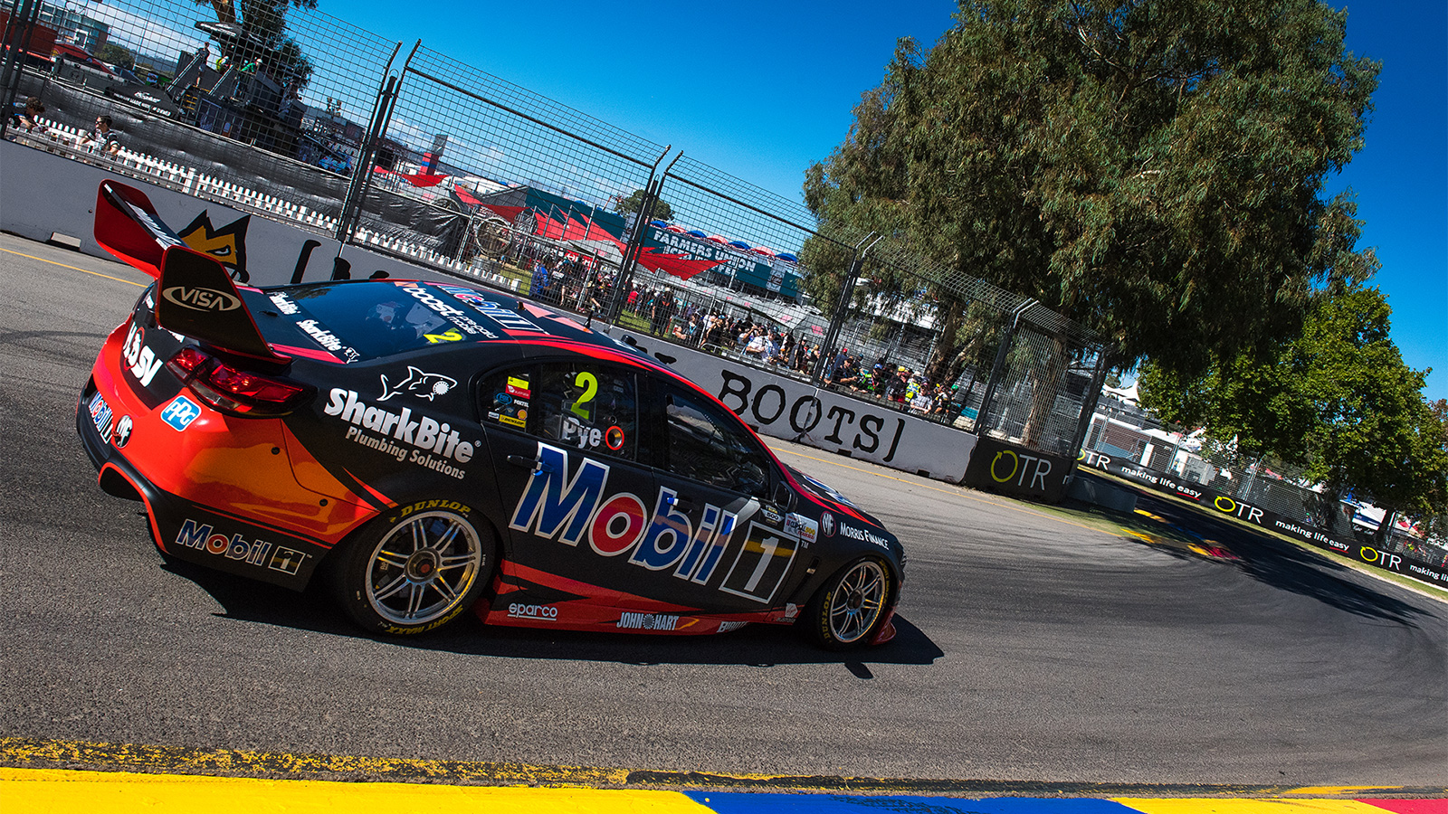 Courtney hauls bag of points at Clipsal