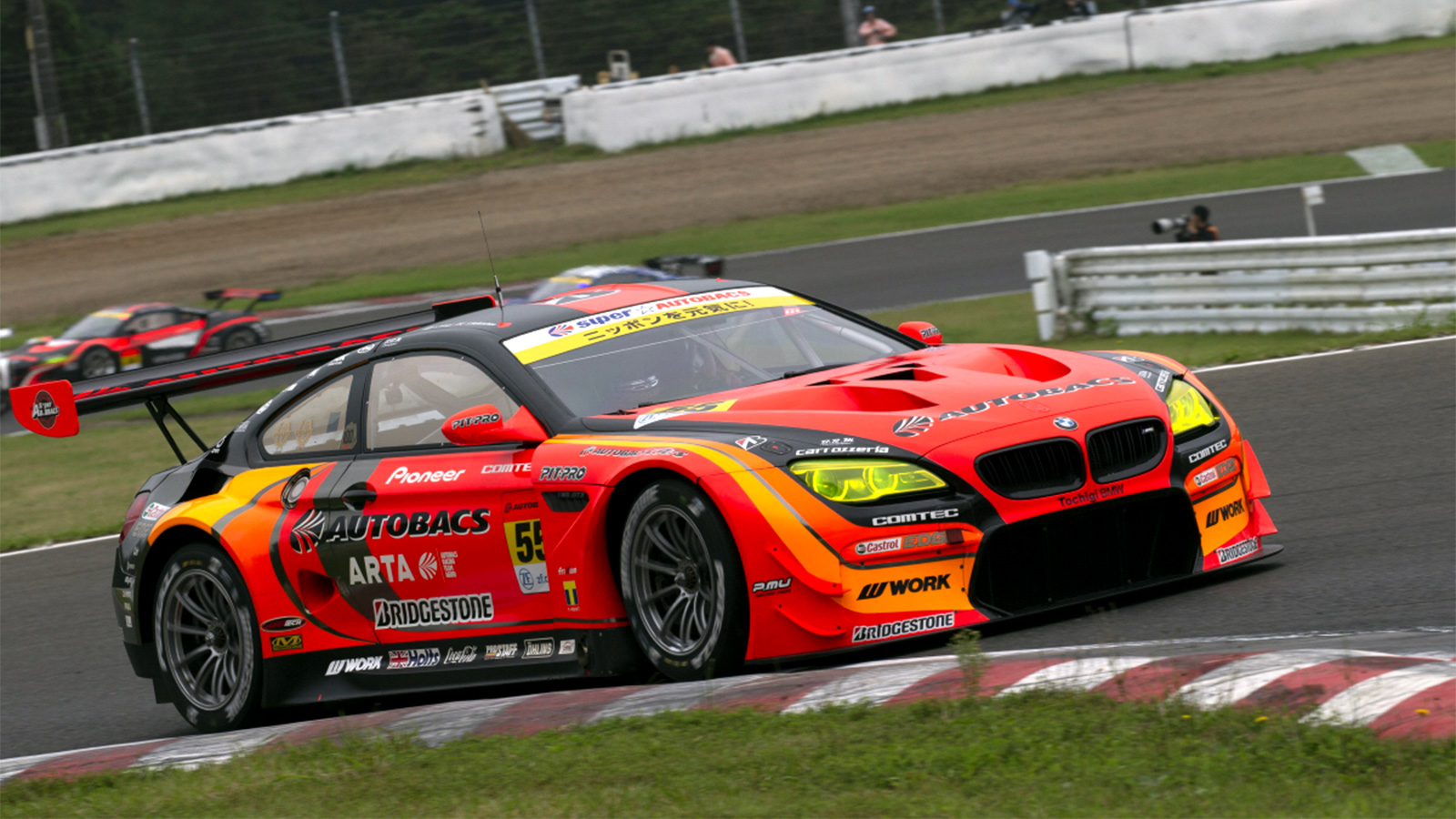 Walkinshaw and Takagi Hold Seven-Point GT300 Lead Despite Tough Super GT Weekend in Sugo