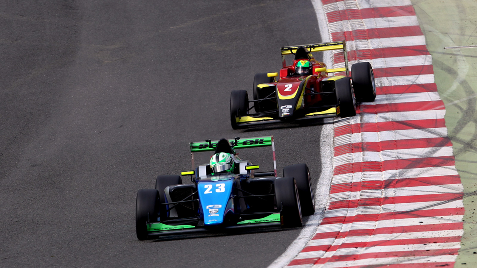 Maxwell chalked-up three consistently strong results at Brands Hatch Grand Prix Circuit.